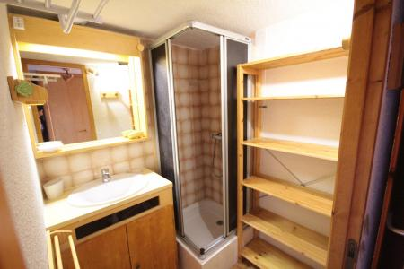Rent in ski resort Studio mezzanine 5 people (011) - Résidence Arvire - Les Saisies - Shower