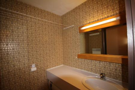 Rent in ski resort Studio 4 people (009) - Résidence Bisanne - Les Saisies - Wash-hand basin