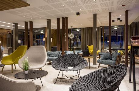 Rent in ski resort Résidence Club MMV Les Chalets des Cîmes - Les Saisies - Reception