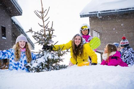 Rent in ski resort Résidence Club MMV Les Chalets des Cîmes - Les Saisies - Winter outside