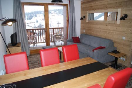 Location au ski Résidence Lagrange les Chalets d'Emeraude - Les Saisies - Table