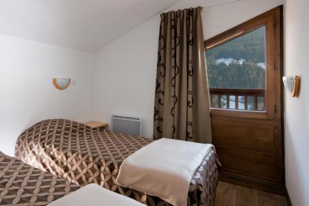 Location au ski Residence Lagrange Les Chalets Du Mont Blanc - Les Saisies - Chambre mansardée