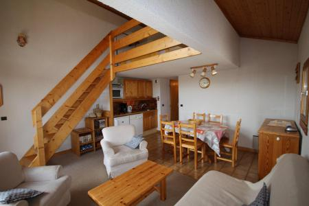 Rent in ski resort 3 room mezzanine apartment 6 people (3318) - Résidence le Grand Mont 3 - Les Saisies
