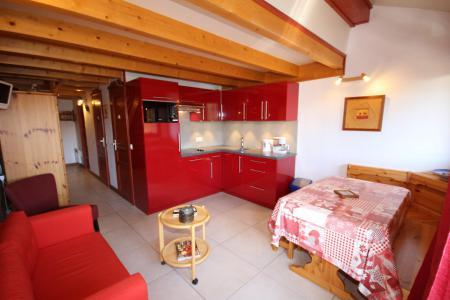 Rent in ski resort 2 room mezzanine apartment 6 people (024) - Résidence le Tavaillon - Les Saisies