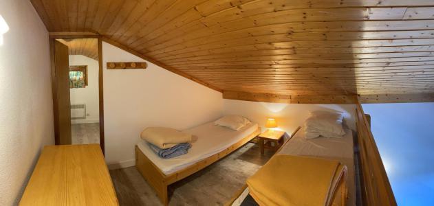 Rent in ski resort 2 room mezzanine apartment 6 people (320) - Résidence le Village 3 - Les Saisies - Single bed