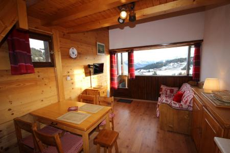 Rent in ski resort 1 room mezzanine apartment 6 people (425) - Résidence le Village 4 - Les Saisies