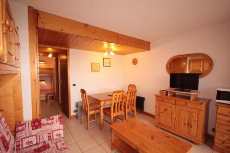 Rent in ski resort Logement 2 pièces 6 personnes (MTA122) - Résidence Mont Blanc A - Les Saisies