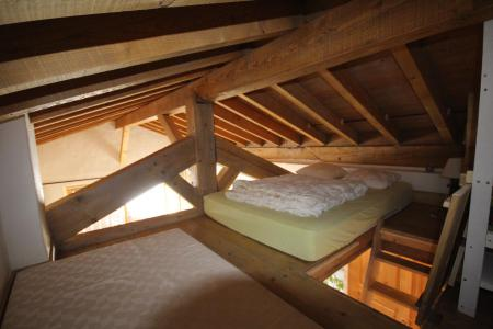 Rent in ski resort 2 room mezzanine apartment 6 people (009) - Résidence Mouanda - Les Saisies - Mezzanine under mansard (-1,80 m)