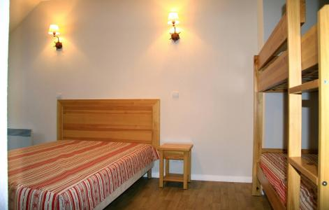Rent in ski resort Résidence Illixon - Luchon-Superbagnères - Bedroom