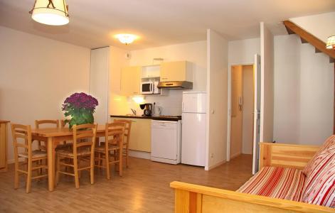 Rent in ski resort Résidence Illixon - Luchon-Superbagnères - Open-plan kitchen