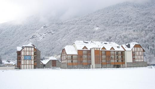 Rent in ski resort Résidence Lagrange le Belvédère - Luchon-Superbagnères - Winter outside
