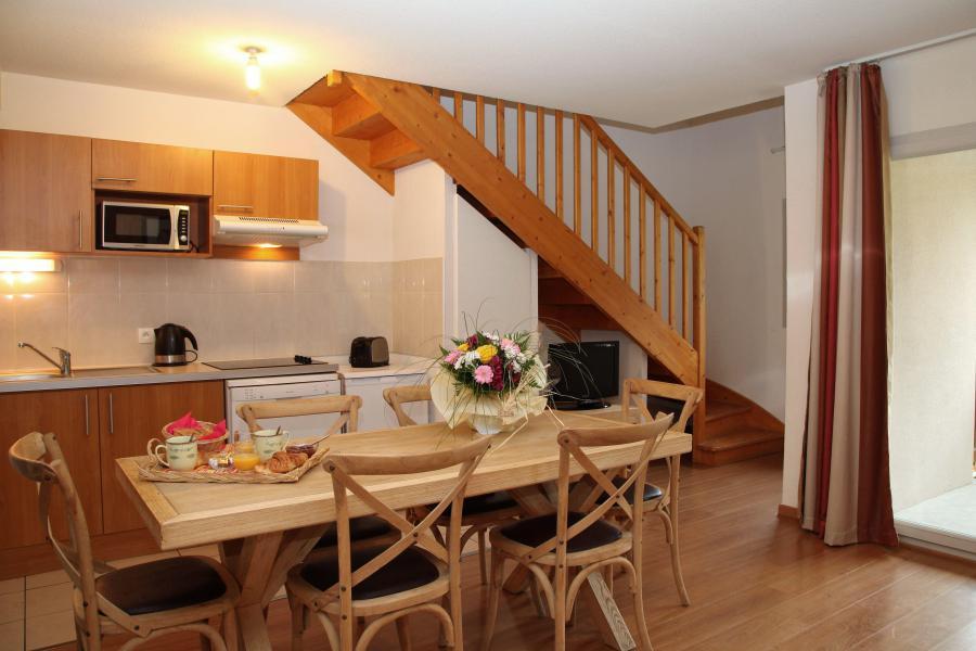 Rent in ski resort 3 room duplex apartment cabin 8 people - Résidence Domaine du Val de Roland - Luz Ardiden - Living room