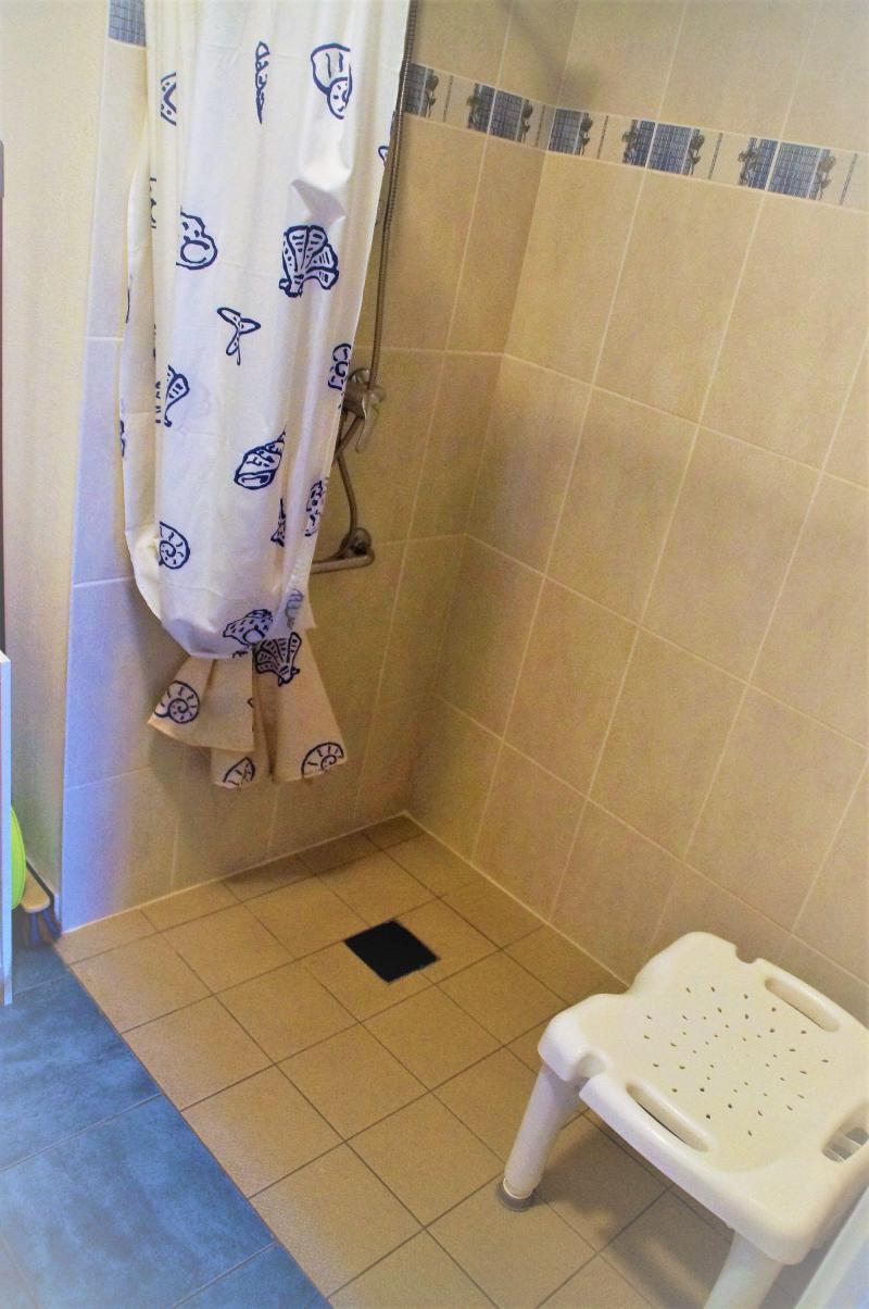 Location au ski Appartement 3 pièces 6 personnes (Confort) - Résidence Domaine du Val de Roland - Luz Ardiden - Salle de bains