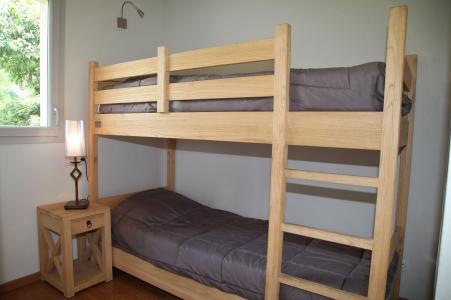 Rent in ski resort 3 room apartment 6 people (confort) - Résidence Domaine du Val de Roland - Luz Ardiden - Bunk beds