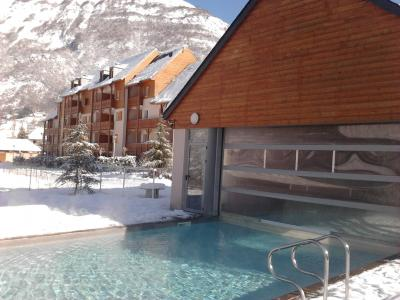 Accommodation with swmimming pool Résidence Domaine du Val de Roland