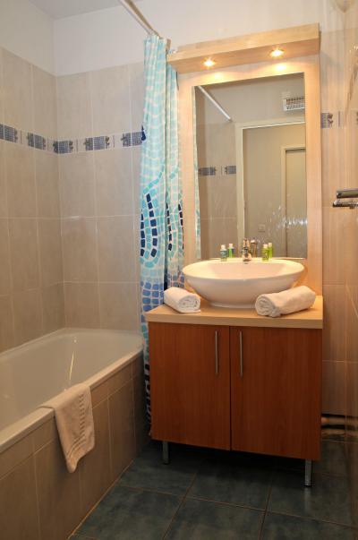 Rent in ski resort Résidence Domaine du Val de Roland - Luz Ardiden - Bathroom