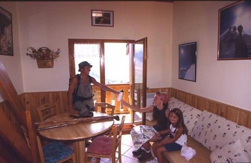 Location au ski Les Residences - Manigod l'Etale - Séjour