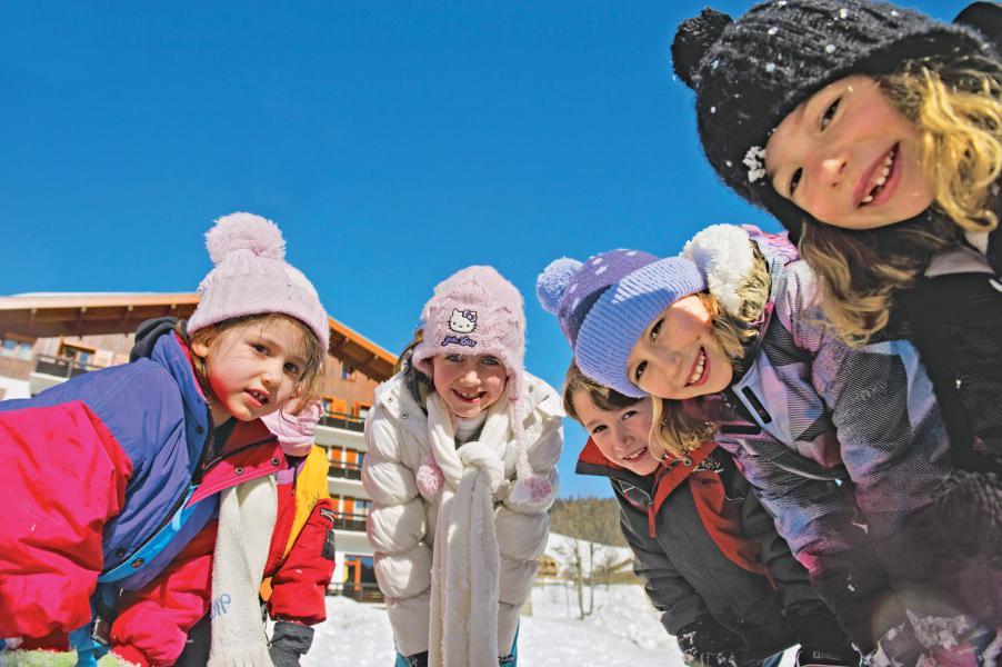 Аренда на лыжном курорте Résidence Les Chalets du Prariand - Megève - зимой под открытым небом