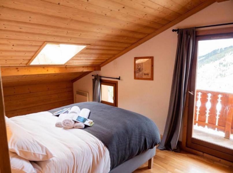 Location au ski Chalet  L'Arclusaz - Méribel-Mottaret - Chambre mansardée