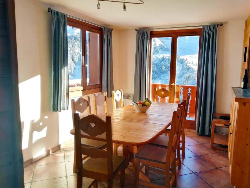 Location au ski Chalet  L'Arclusaz - Méribel-Mottaret - Salle à manger