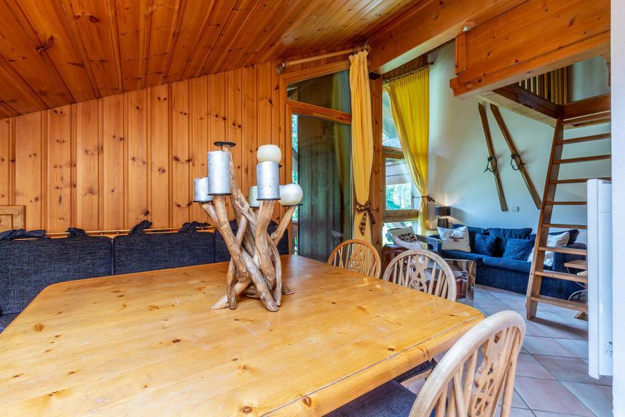 Location au ski Appartement 3 pièces mezzanine 6 personnes (011) - Résidence Alpages C - Méribel-Mottaret - Table