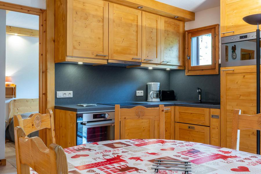 Ski verhuur Appartement 4 kamers 8 personen (002) - Résidence Alpages D - Méribel-Mottaret - Keukenblok