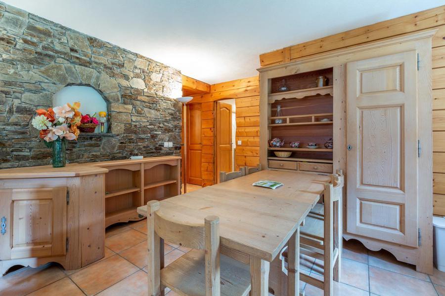 Location au ski Appartement 4 pièces 7 personnes (003) - Résidence Alpages D - Méribel-Mottaret - Table