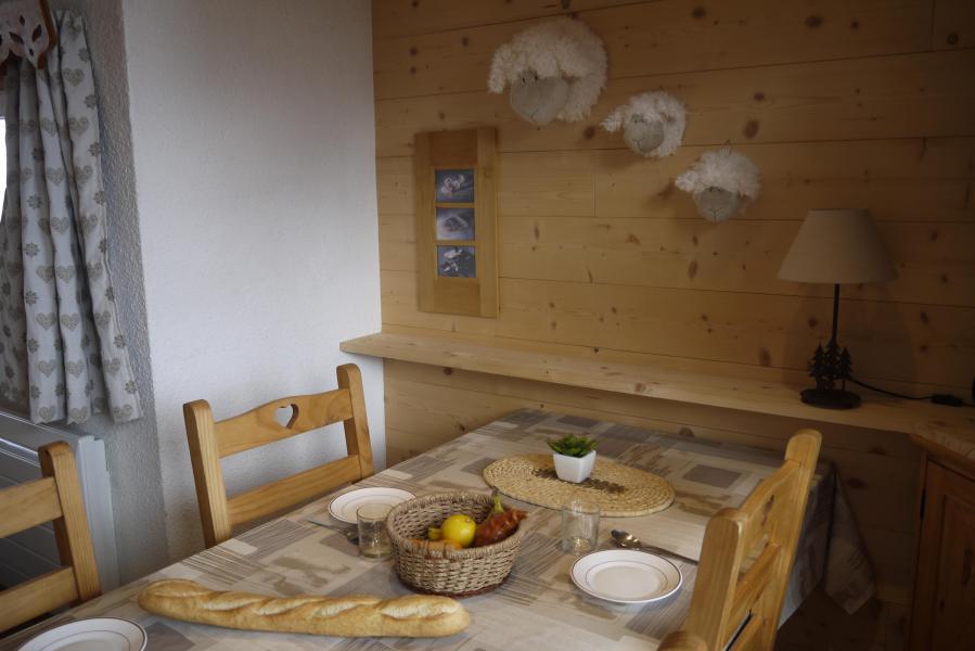 Ski verhuur Appartement 2 kamers 5 personen (080) - Résidence Arpasson - Méribel-Mottaret