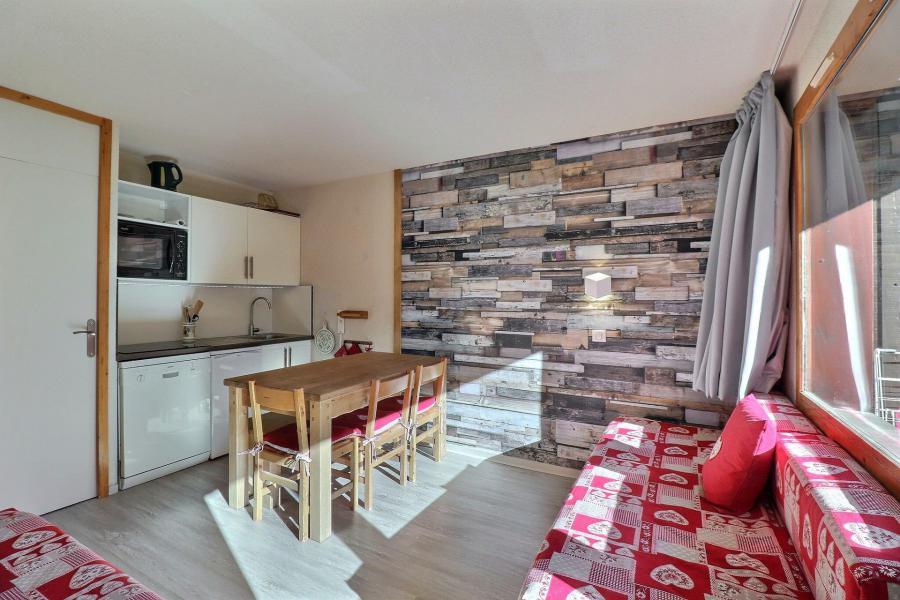Location au ski Appartement 2 pièces 4 personnes (111) - Résidence Creux de l'Ours Bleu - Méribel-Mottaret