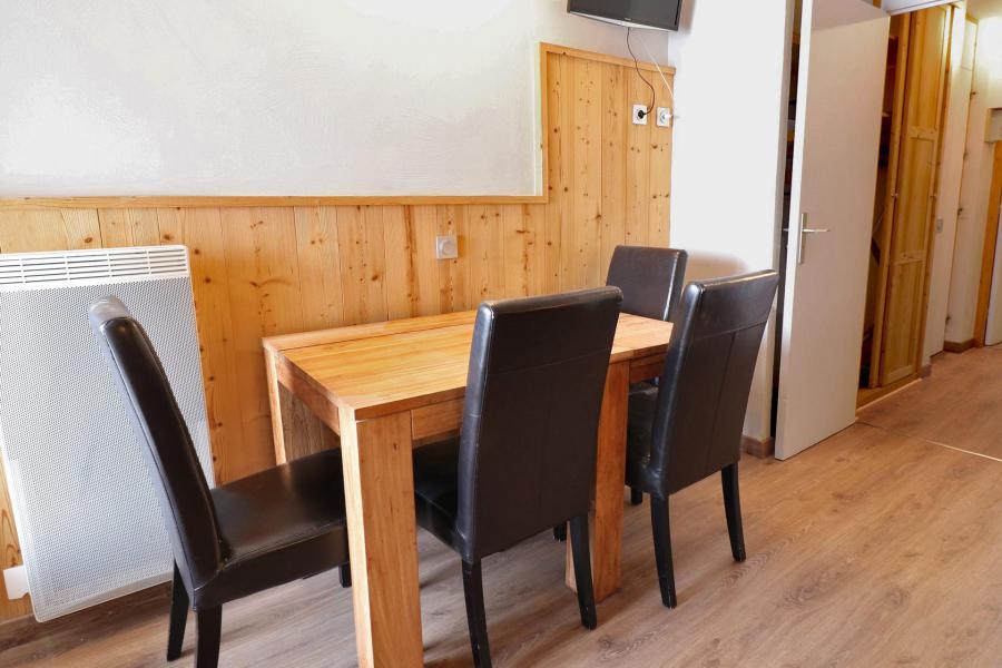 Location au ski Appartement 2 pièces 4 personnes (A05) - Résidence Creux de l'Ours Rouge - Méribel-Mottaret