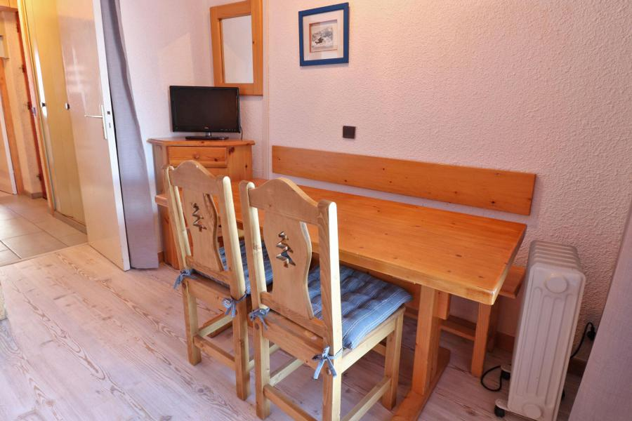 Location au ski Appartement 2 pièces 4 personnes (06) - Résidence Creux de l'Ours Rouge - Méribel-Mottaret