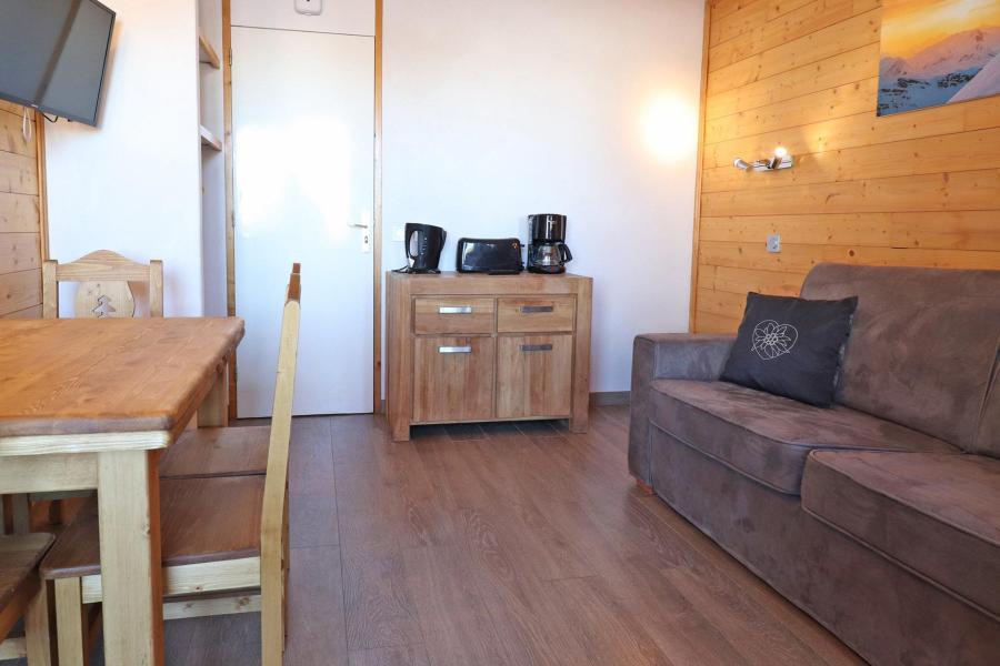 Ski verhuur Appartement 2 kamers 4 personen (A16) - Résidence Creux de l'Ours Rouge - Méribel-Mottaret - Woonkamer