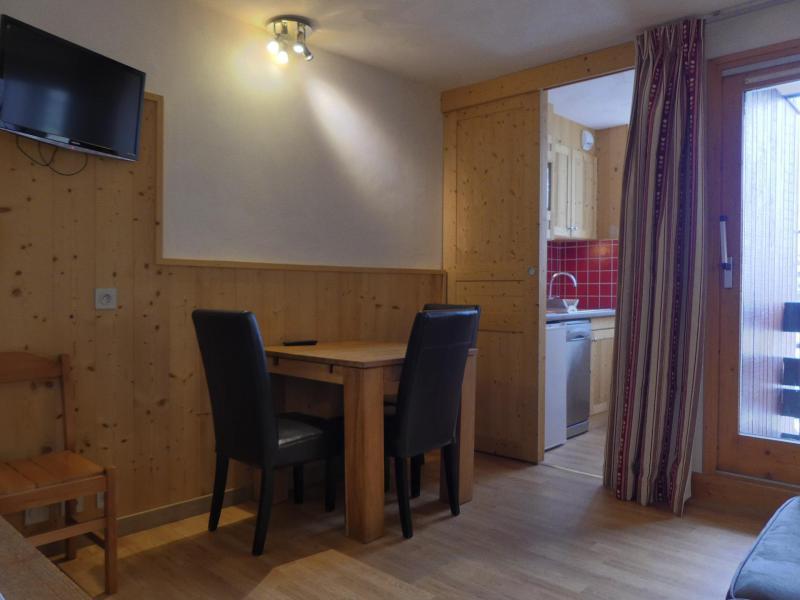 Location au ski Appartement 2 pièces 4 personnes (A19) - Résidence Creux de l'Ours Rouge - Méribel-Mottaret - Table