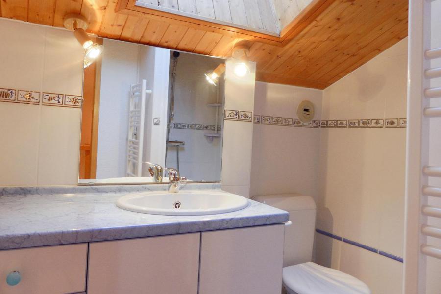Location au ski Appartement duplex 3 pièces 6 personnes (019) - Résidence Gentianes - Méribel-Mottaret