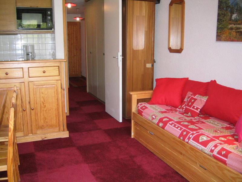 Ski verhuur Appartement 2 kamers 5 personen (A17) - Résidence Grand Dou - Méribel-Mottaret - Woonkamer