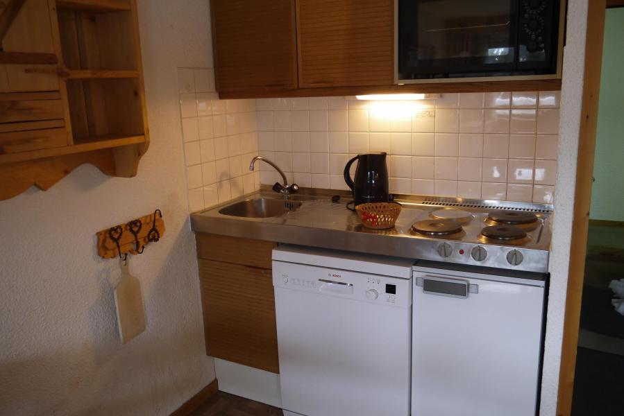 Ski verhuur Appartement 2 kamers 6 personen (A02) - Résidence Grand Dou - Méribel-Mottaret - Keukenblok