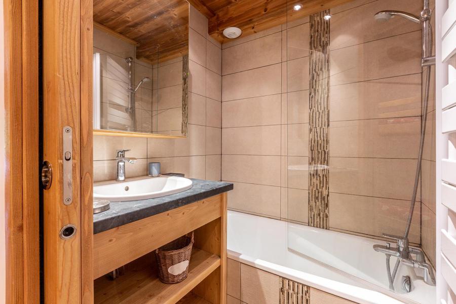 Location au ski Appartement 2 pièces 6 personnes (C04) - Résidence l'Alpinéa - Méribel-Mottaret - Baignoire