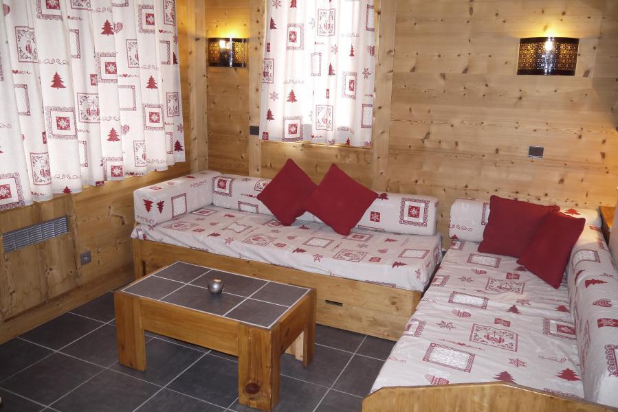 Location au ski Studio 4 personnes (09) - Résidence l'Arc en Ciel - Méribel-Mottaret - Canapé