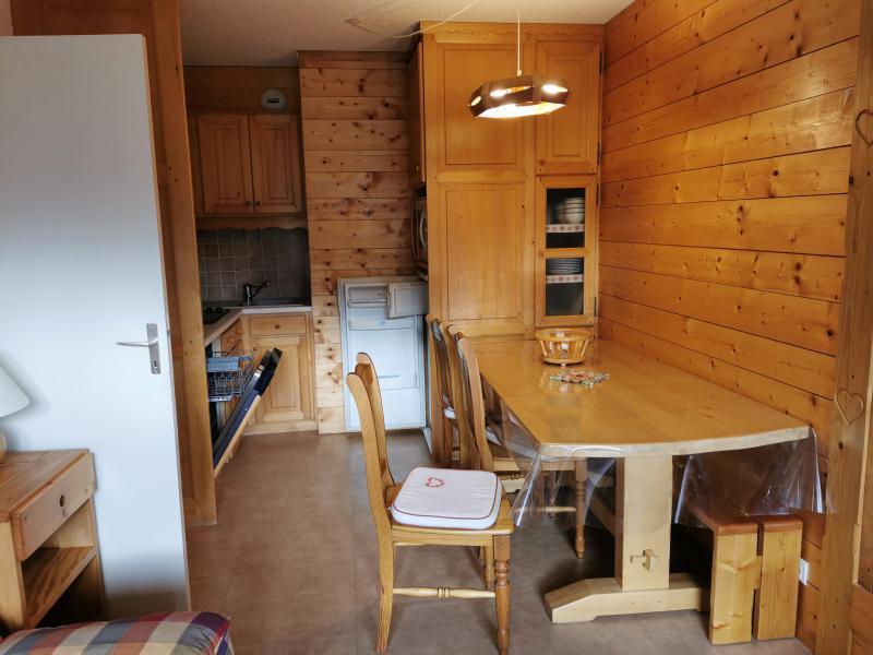 Location au ski Appartement 2 pièces 6 personnes (041) - Résidence la Vanoise - Méribel-Mottaret - Table