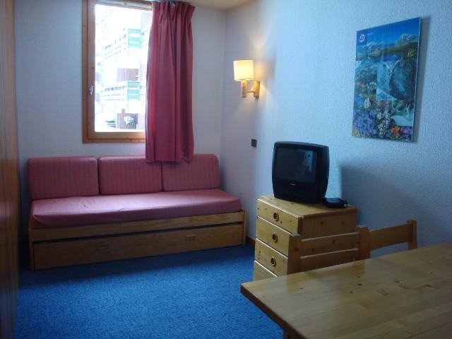 Location au ski Studio 4 personnes (140) - Residence Le Creux De L'ours D - Méribel-Mottaret - Canapé-lit