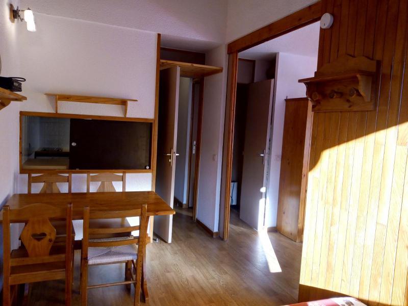 Location au ski Studio 4 personnes (077) - Résidence le Dandy - Méribel-Mottaret - Table
