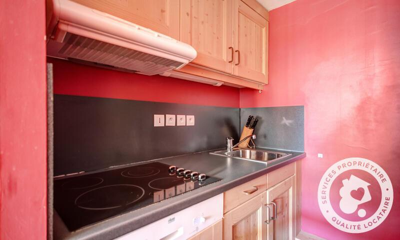 Vacances en montagne Appartement 3 pièces 6 personnes (46m²) - Résidence les Crêts - Maeva Home - Méribel-Mottaret - Extérieur hiver