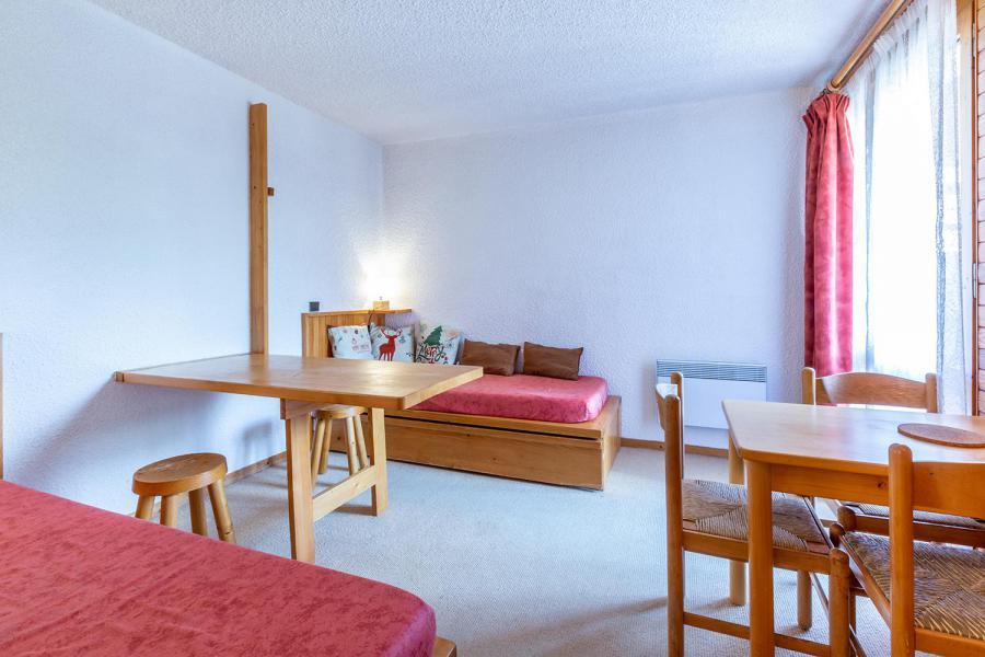 Location au ski Studio 3 personnes (020) - Résidence Nantchu - Méribel-Mottaret