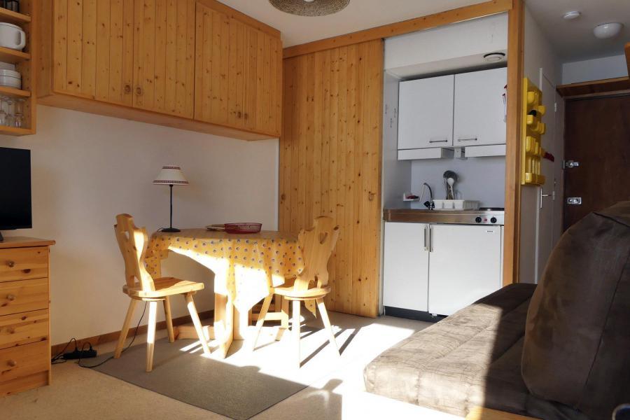 Location au ski Studio 2 personnes (025) - Résidence Roc de Tougne - Méribel-Mottaret