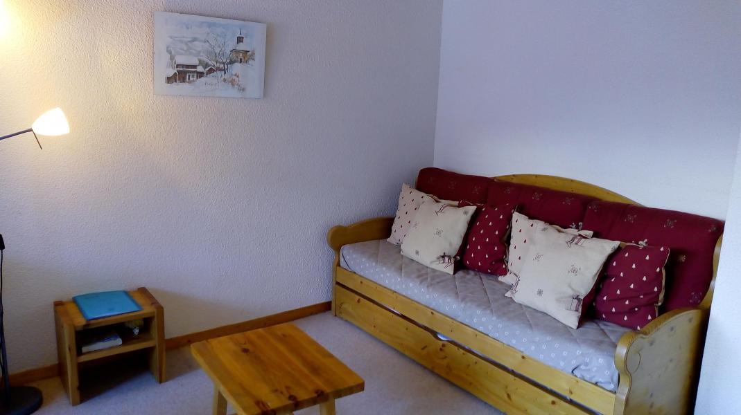 Location au ski Appartement 3 pièces cabine 6 personnes (013) - Résidence Sérac - Méribel-Mottaret - Banquette