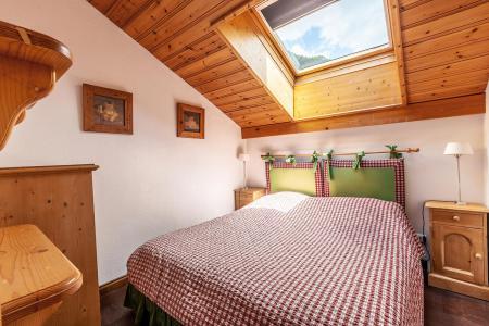 Location au ski Appartement 3 pièces mezzanine 6 personnes (011) - Résidence Alpages C - Méribel-Mottaret - Chambre mansardée