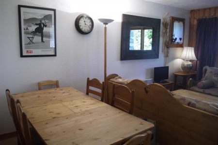 Location au ski Appartement 3 pièces 6 personnes (004) - Résidence Alpages D - Méribel-Mottaret - Table