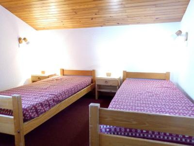 Location au ski Appartement 2 pièces 6 personnes (I10) - Résidence l'Arc en Ciel - Méribel-Mottaret - Chambre mansardée