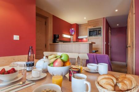 Location au ski Résidence P&V Premium les Crêts - Méribel-Mottaret - Table