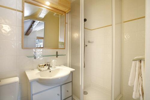 Location au ski Hotel Eliova Le Genepi - Méribel - Salle de bains